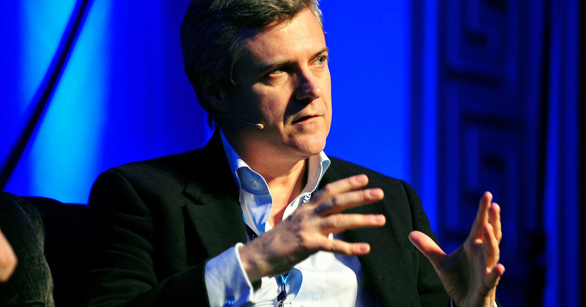 WPP's new boss nudges net sales outlook higher