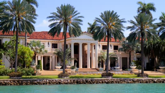 A waterfront mansion on Star Island, Florida