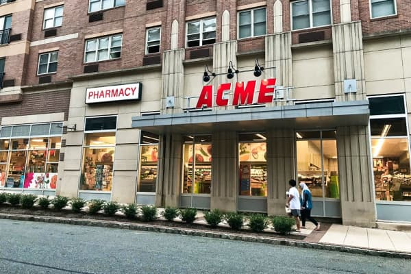 The entrance to Acme in Port Imperial, New Jersey.