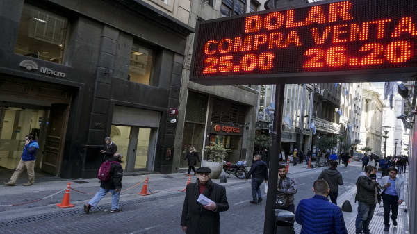 Argentina struggles with yet another financial crisis