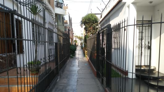 Lima, Peru neighborhood where former mortgage broker Sam Clune now resides.