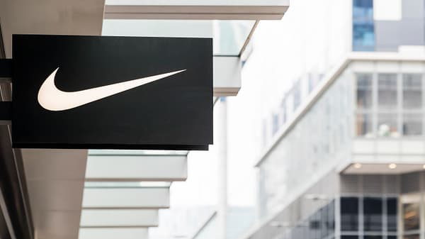 Cramer Nike A Buy If Stock Falls Further On Colin Kaepernick Ad