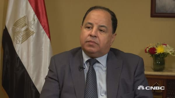 Egypt is observing emerging market downturn, finance minister says