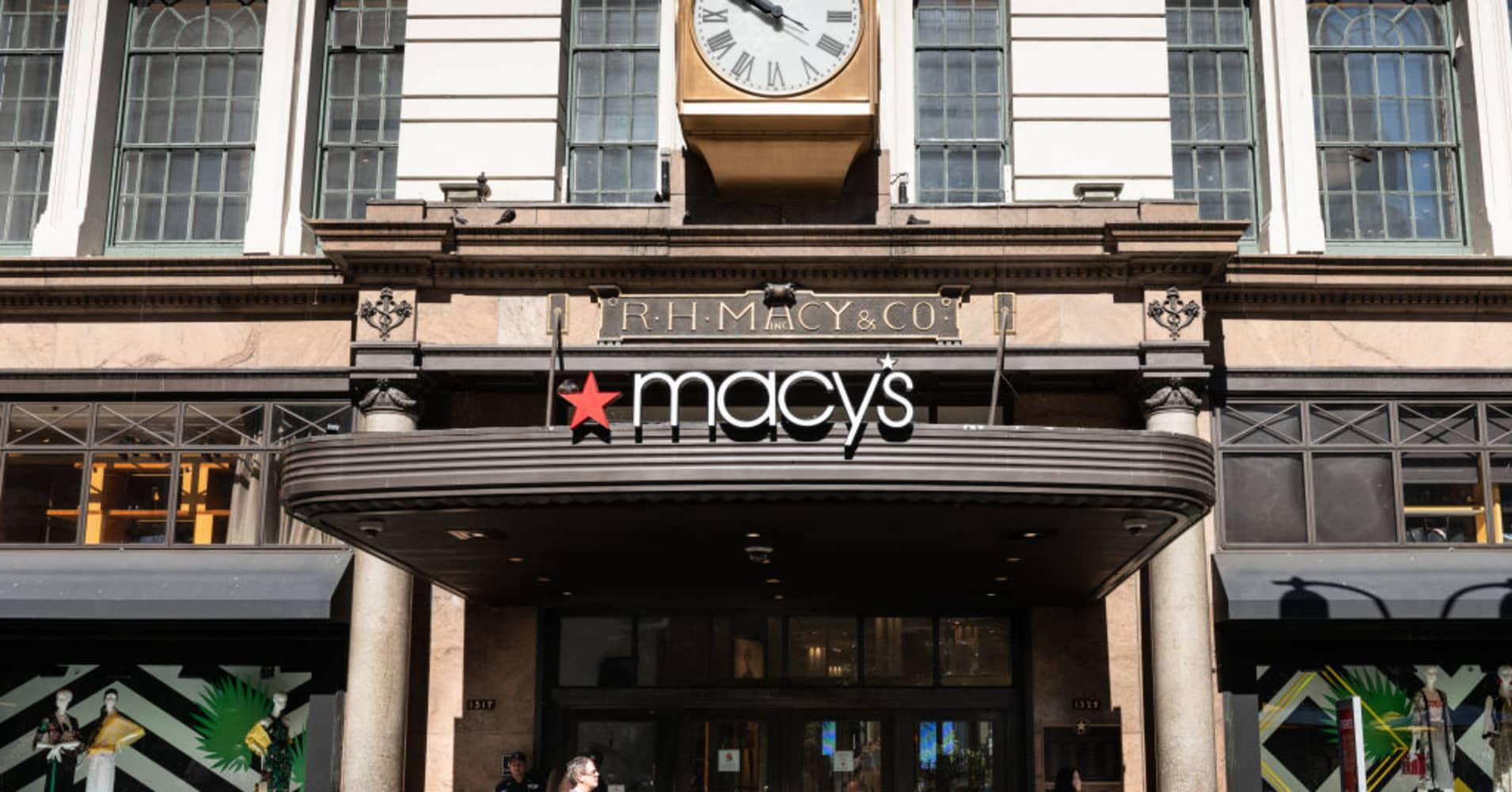 Goldman Sachs Sell Macys Shares As Turnaround Plan Is Insufficient