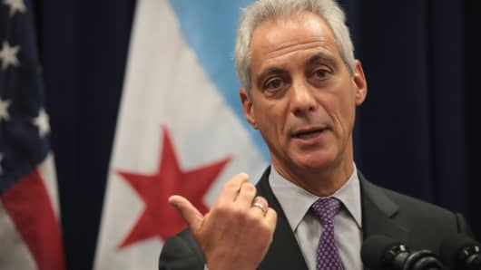 Chicago Mayor Rahm Emanuel speaks at a press conference where he addressed issues related to the city's murder rate and the city's Sanctuary City policy on January 25, 2017 in Chicago, Illinois.