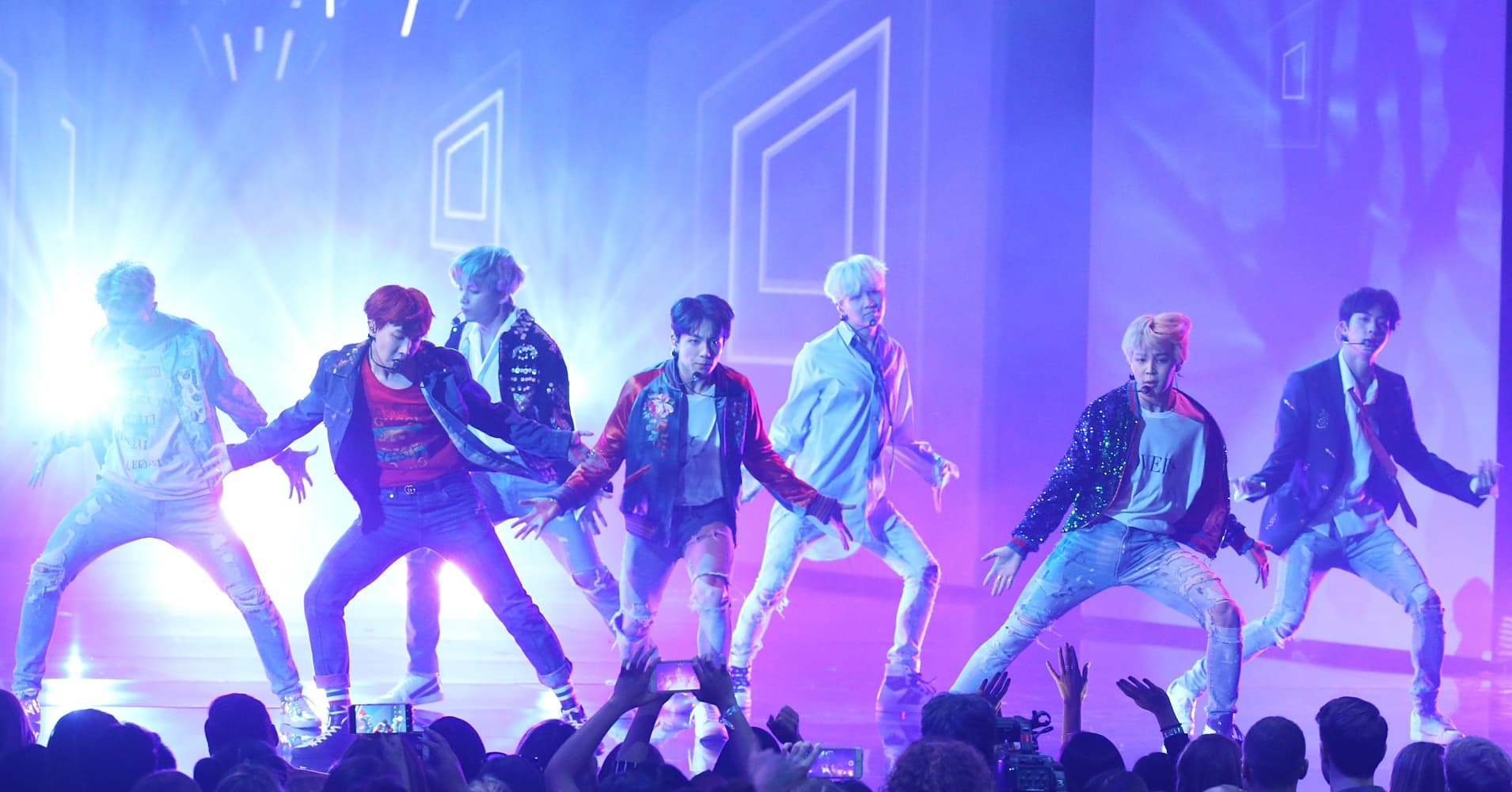 BTS performs 'DNA' onstage during the 2017 American Music Awards held at Microsoft Theater on November 19, 2017 in Los Angeles, California.