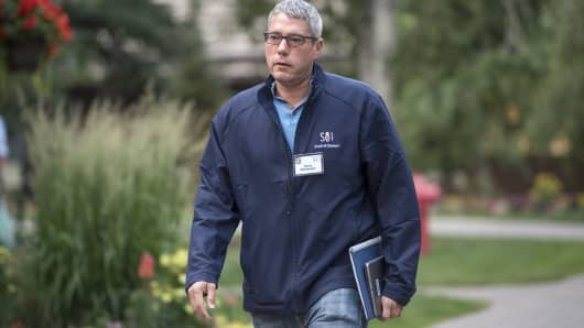 Henry Ellenbogen, chief investment officer of U.S. equity growth for T. Rowe Price Group Inc., arrives for the morning sessions during the Allen & Co. Media and Technology conference in Sun Valley, Idaho, U.S., on Friday, July 14, 2017.