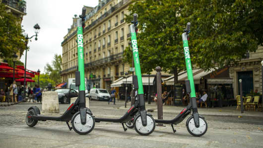 Bolt scooters have been released on to the streets of Paris by the firm, Taxify.