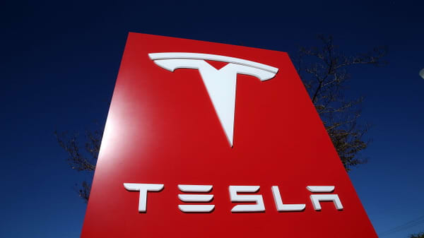 Tesla chief accounting officer resigned September 4