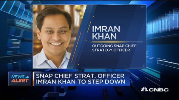 Snap chief strategy officer Imran Khan to step down