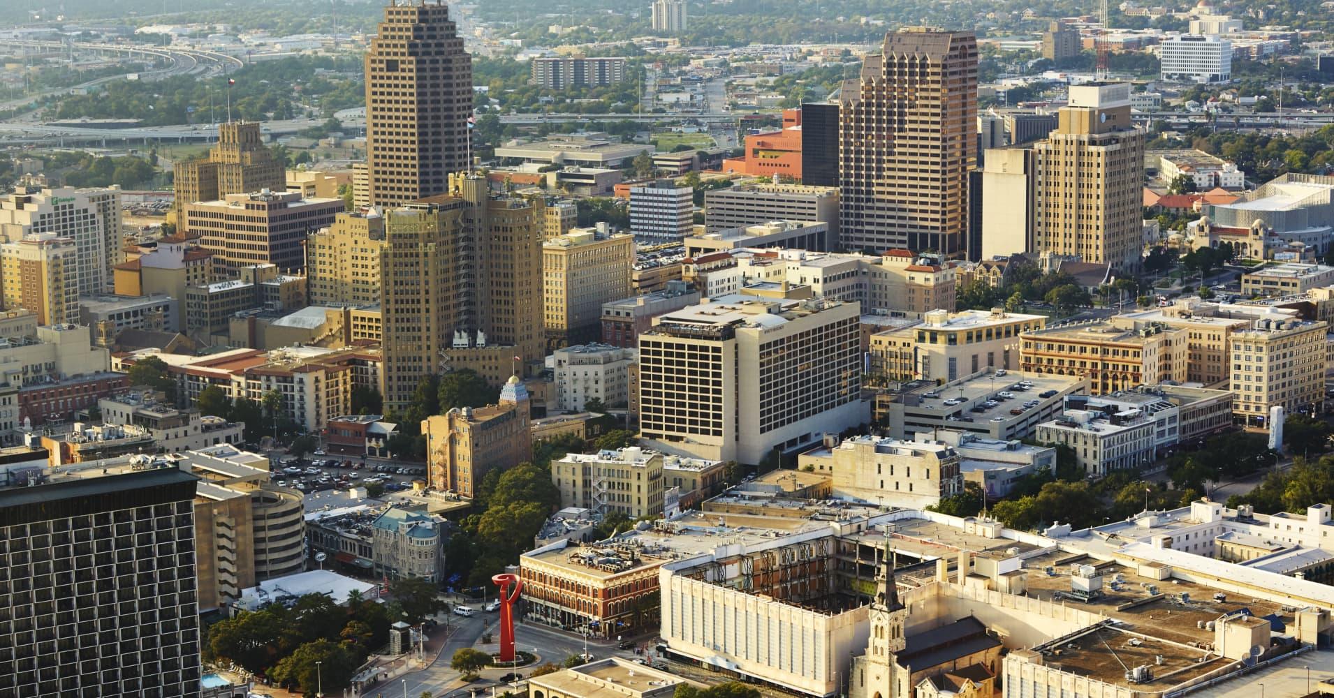City skyline of San Antonio, Texas.