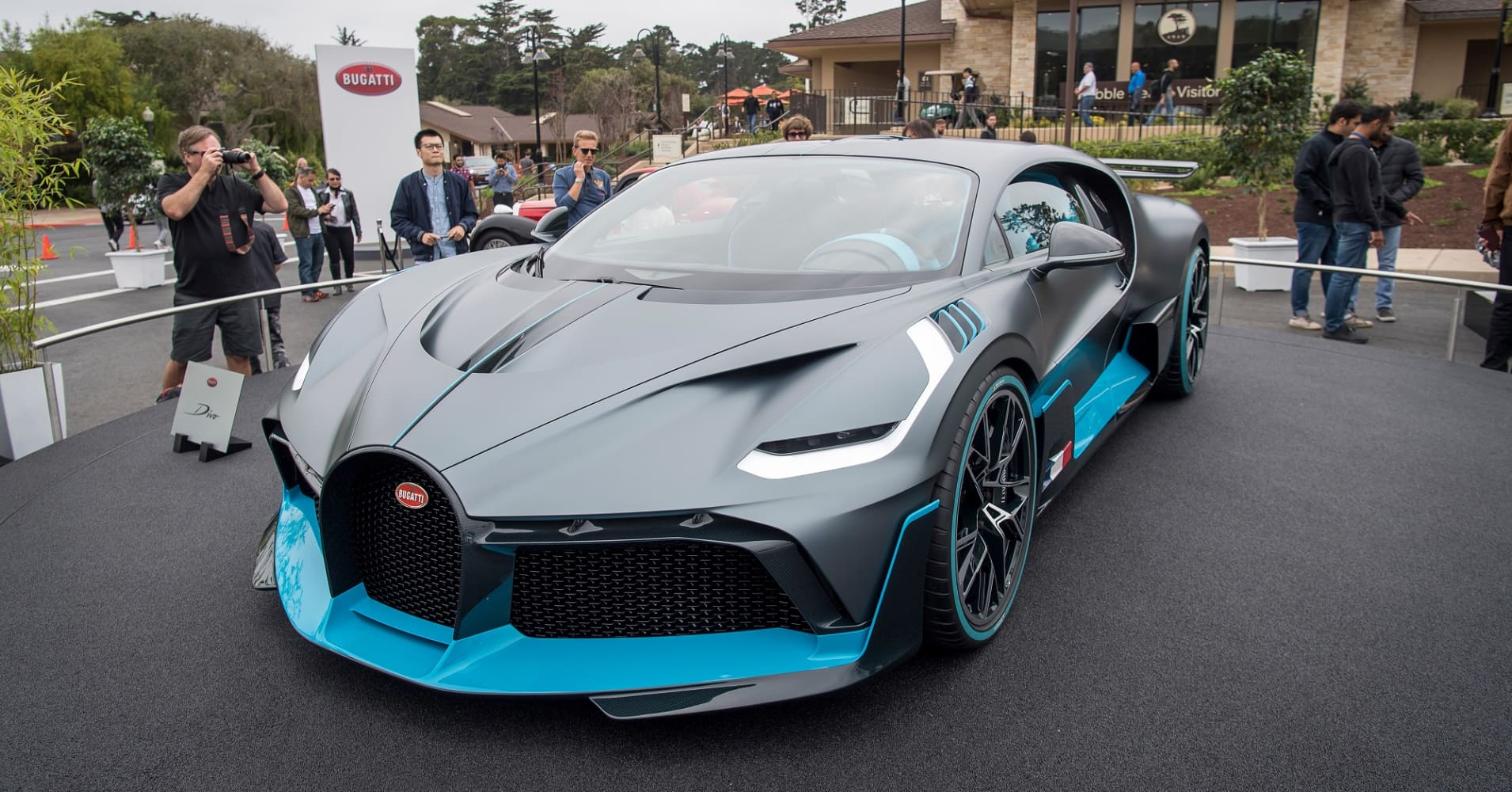 photos: bugatti divo hypercar sold out in one day