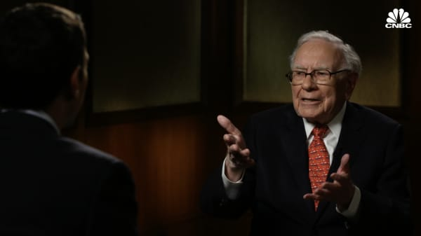 Watch Warren Buffett's in-depth interview with Andrew Sorkin on the 2008 financial crisis