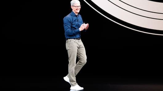 Apple's Tim Cook explains expensive prices of iPhone XS ...