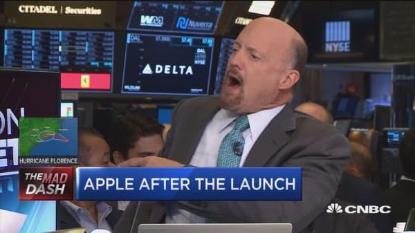 Cramer praises Apple's new iPhones as a 'breakthrough'