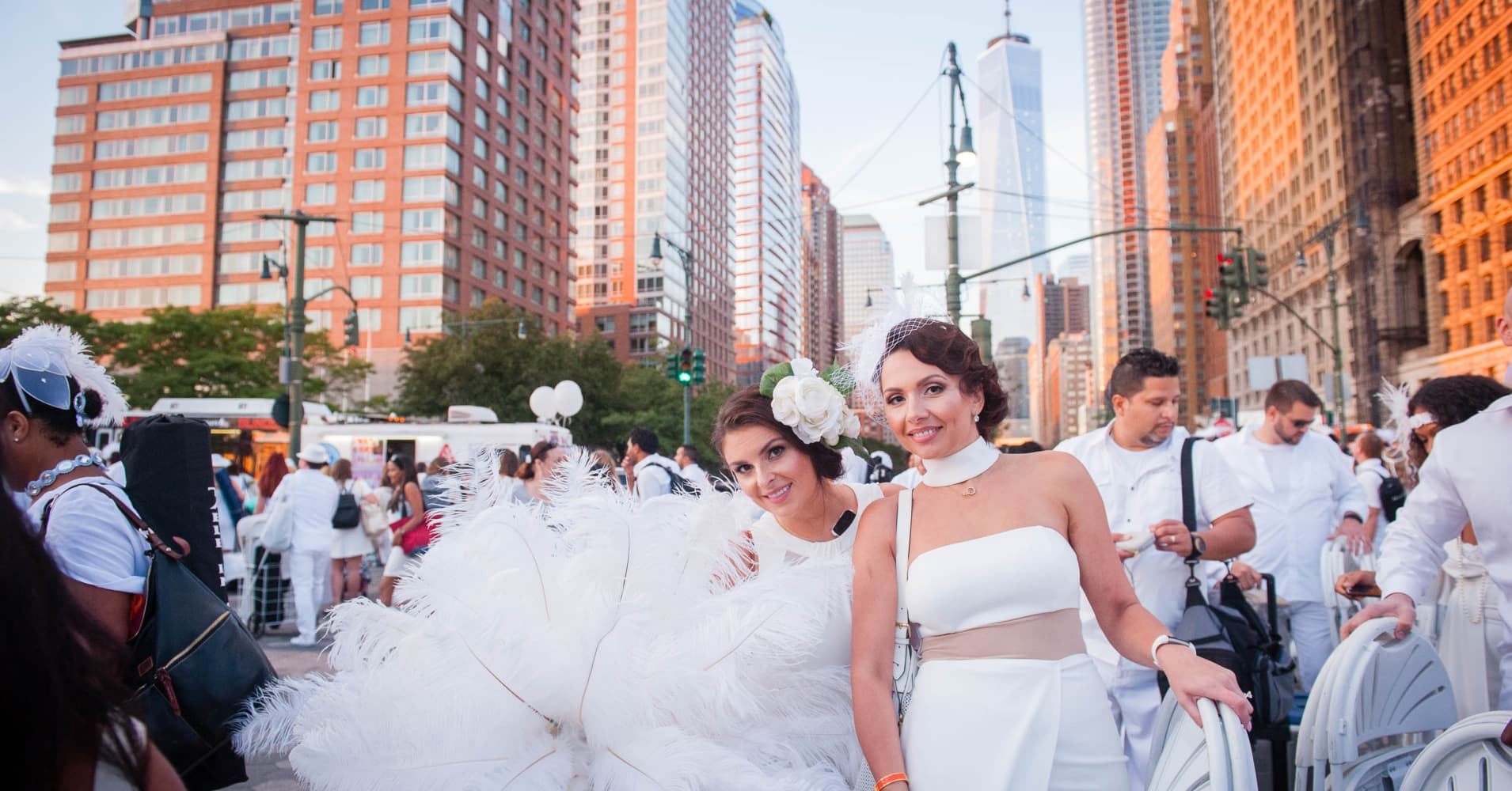 Photos  Inside the secret over-the-top NYC picnic Le Diner en Blanc cce85264f