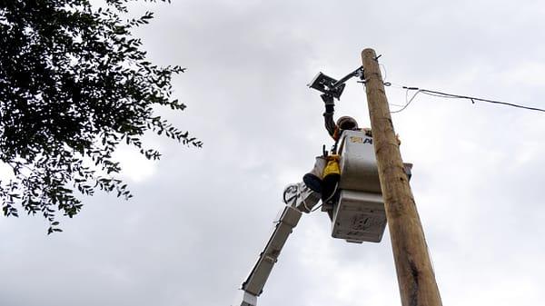 Power utilities prepare for 'catastrophic' storm