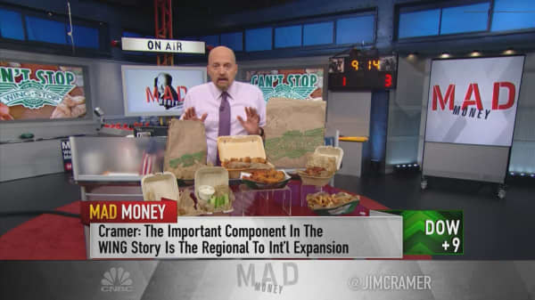 Cramer: Wingstop's 'world domination' plan makes this restaurant stock a buy on weakness