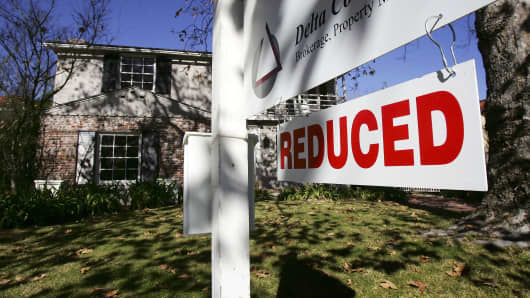 Home sellers slash prices, especially in California