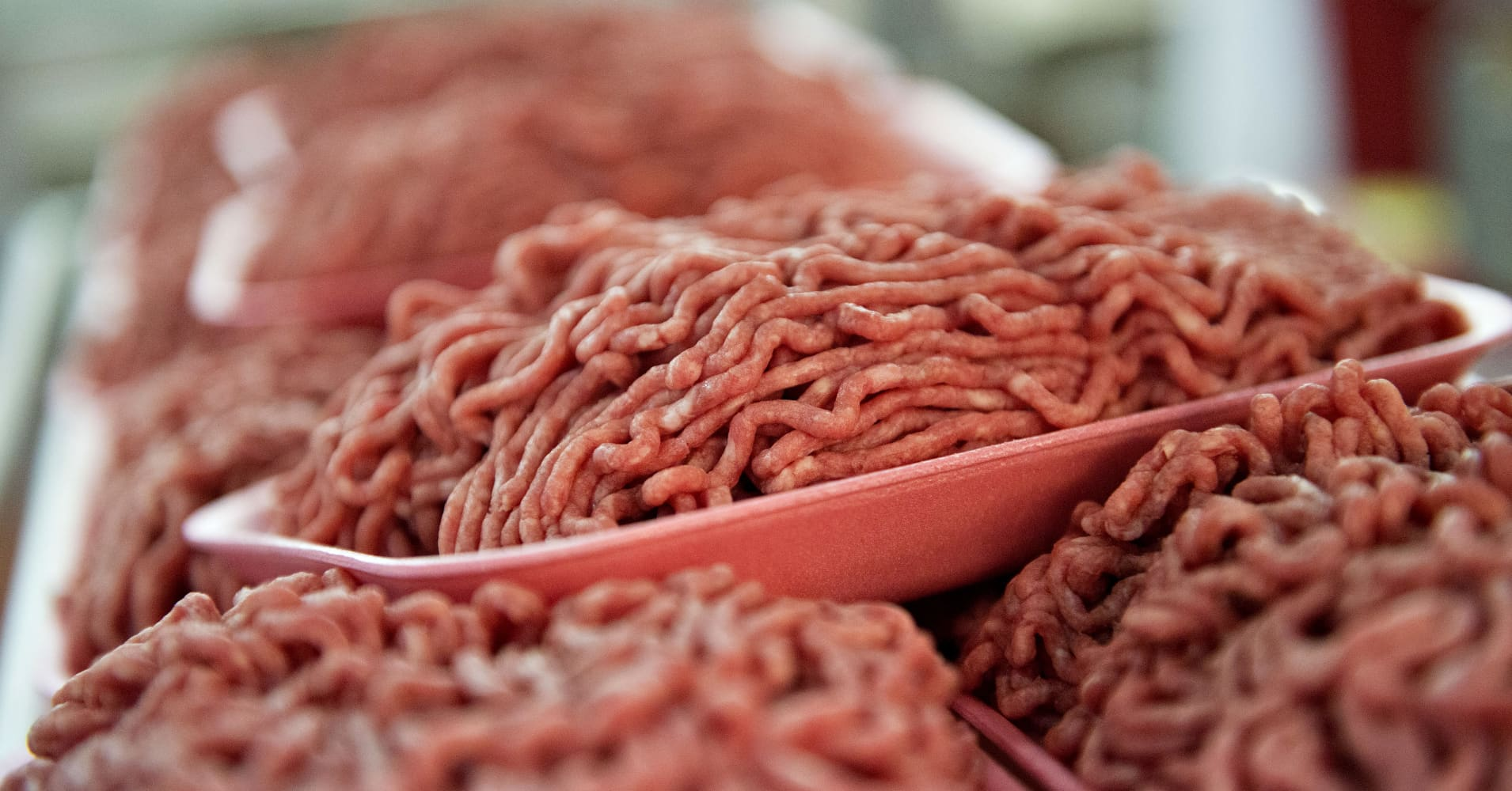Feds expand beef recall as salmonella outbreak broadens to 246 cases in 26 states