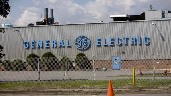 General Electric price target cut to $10 at JP Morgan