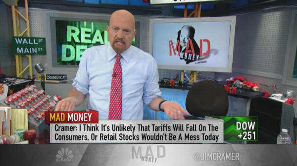 'Highly unlikely' tariff costs will all trickle down to consumers: Cramer