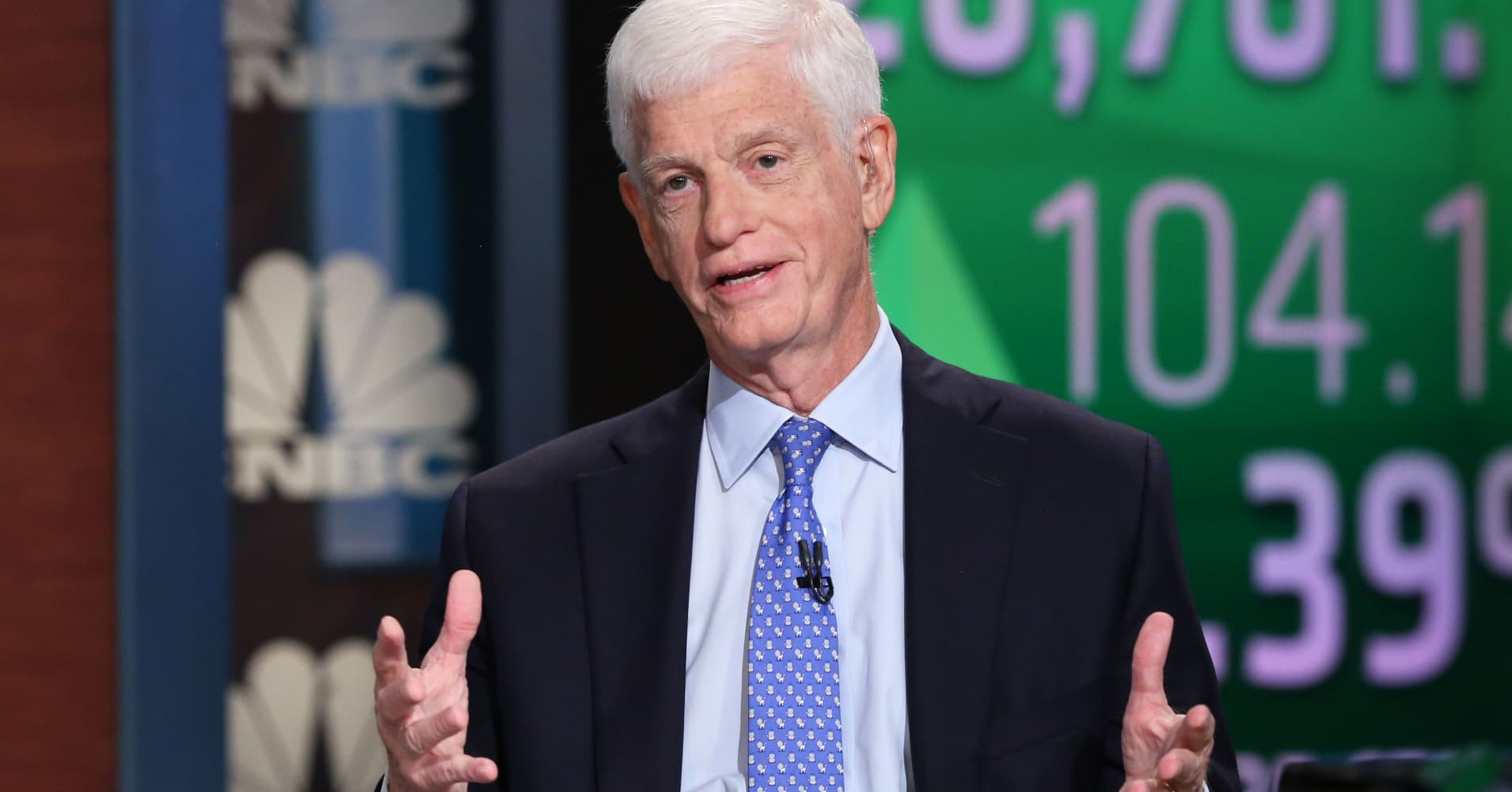 Mario Gabelli wants Viacom and CBS to remain separate for now