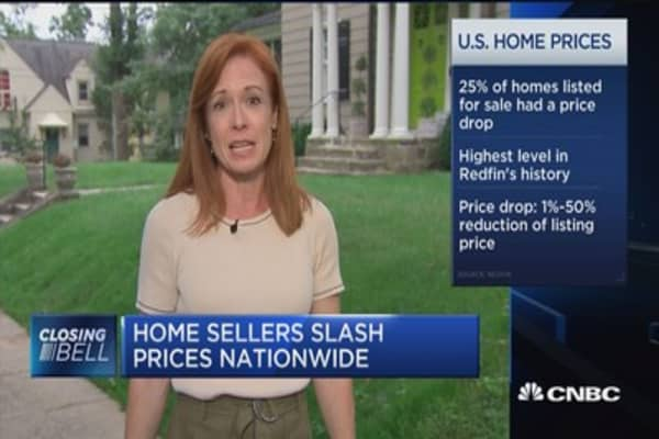 Home sellers slashing prices nationwide, NYC real estate prices drop