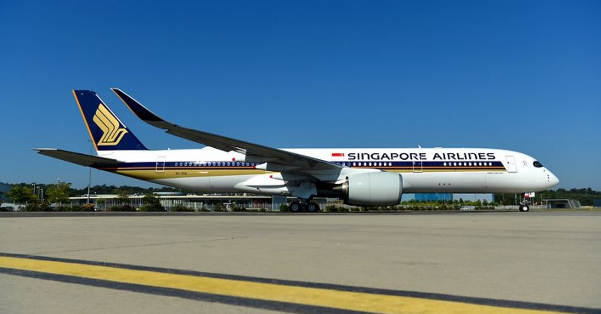 World\'s longest non-stop flight from Singapore to New York has landed