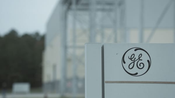 Ge Shares Drop To 9 Year Low