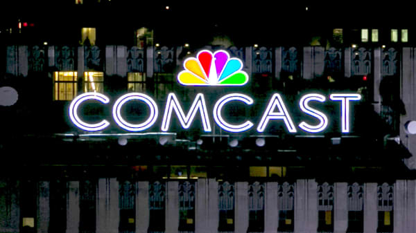 Comcast outbids Fox by $3.6 billion in a three-round auction process