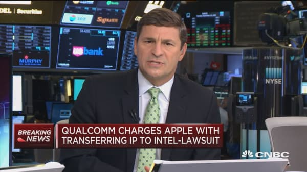 Qualcomm charges Apple with transferring IP to Intel in, amending existing lawsuit