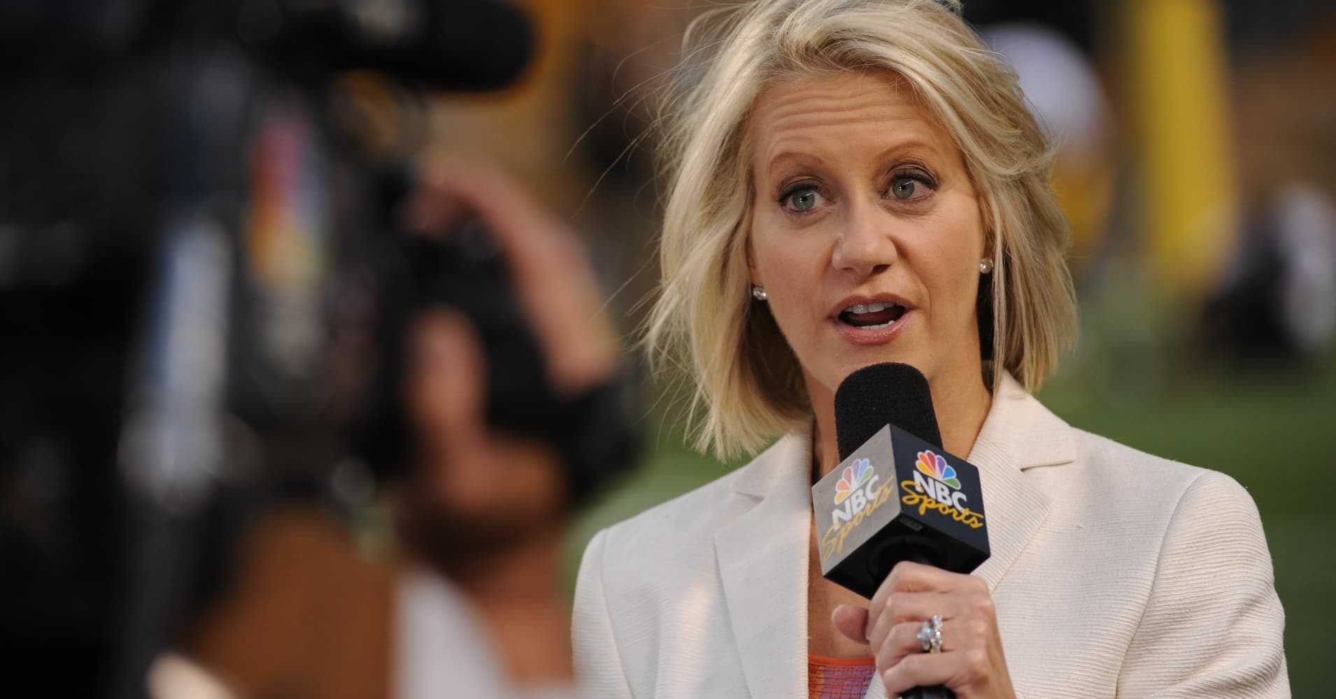 Meet the first all-female broadcast team for NFL games