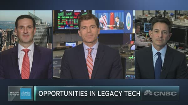 Old tech is having a big quarter. Here are the best bets in legacy tech now