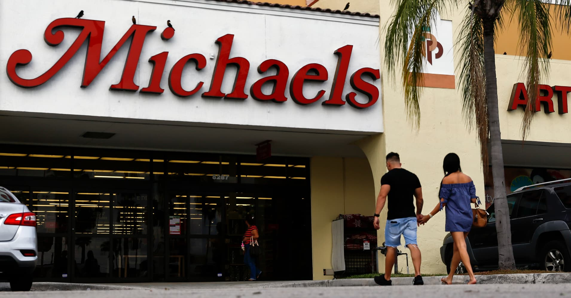 michaels expands kids 39 section to win sales toys r us left