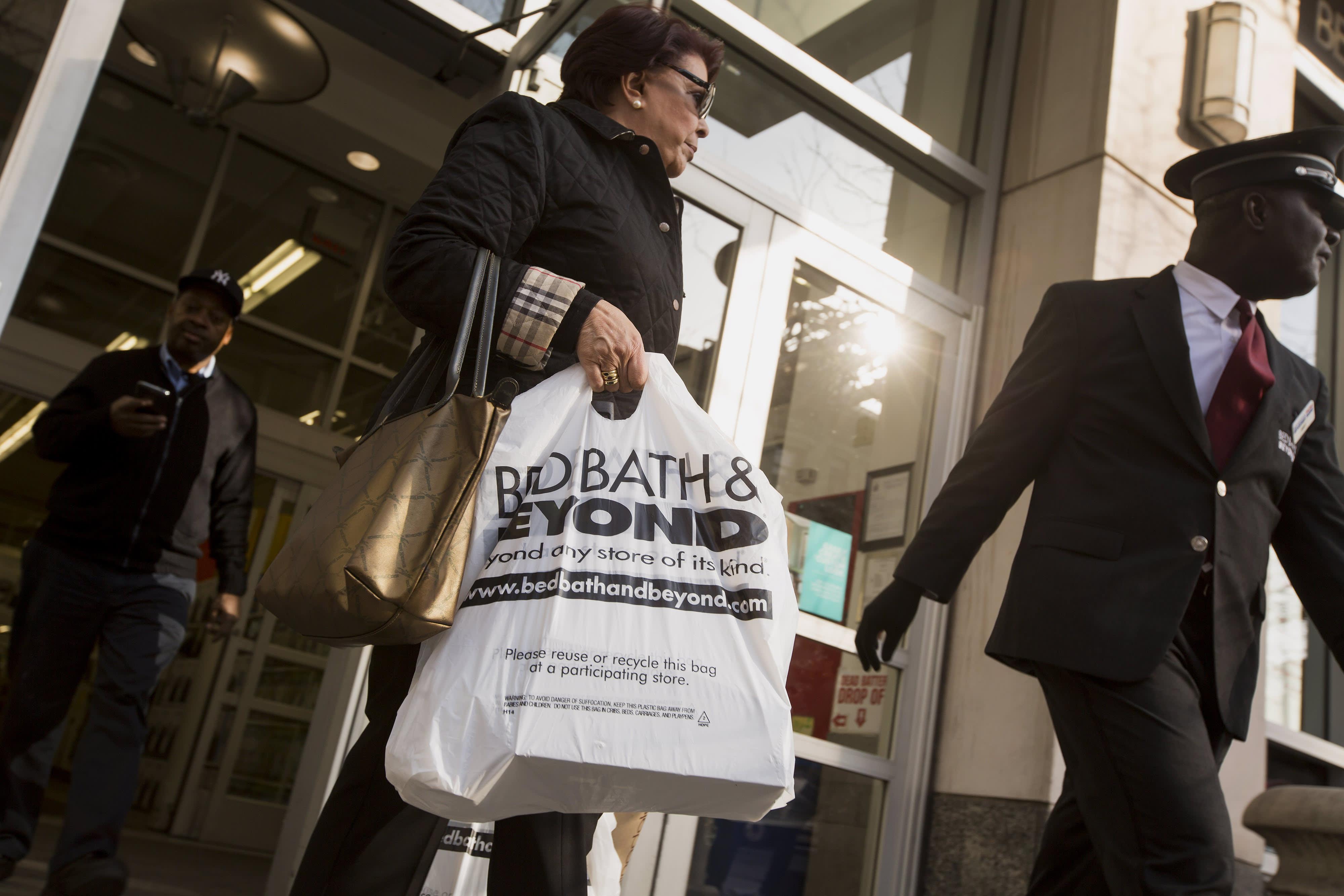 MS posts surprise surge in Q3 clothing sales catalog photo