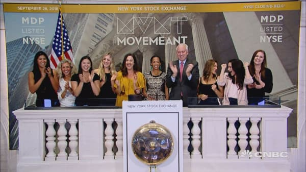 Movemeant Foundation rings the NYSE closing bell