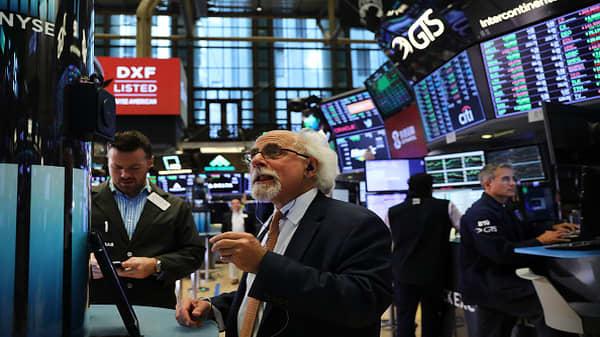 Stocks rally on trade deal