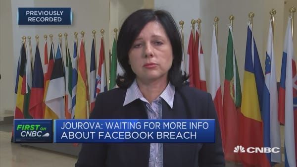 Jourova: Awaiting more information from Facebook about security issue