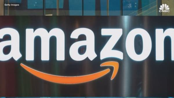 Amazon hikes minimum wage to $15 for all US employees