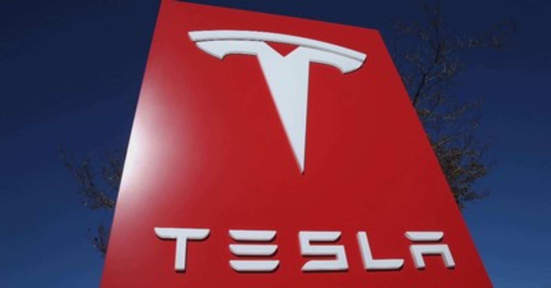 Billionaire Ron Baron predicts Tesla will have $1 trillion in revenue