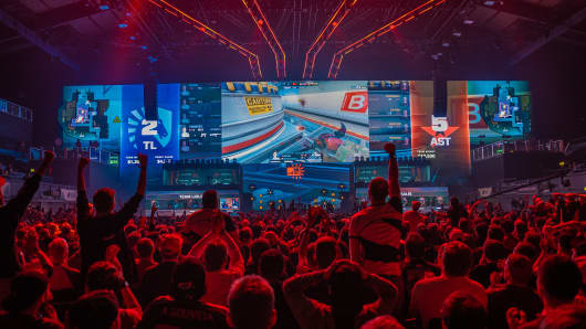 Scenes from an esports tournament in London in September 2018. The event is called FaceIt Major London.
