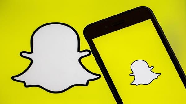 Snapchat report a problem