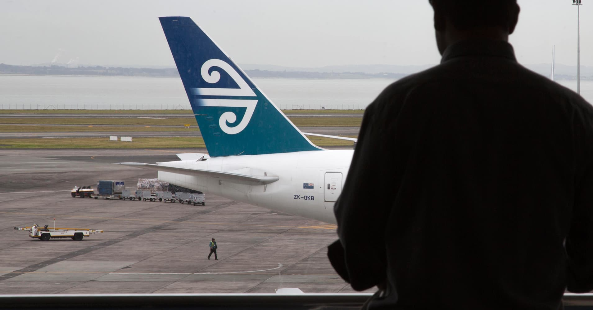 Fork over passwords or pay the price, New Zealand tells travelers
