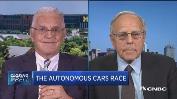 Former GM vice chair and former Chrysler president on the autonomous cars race