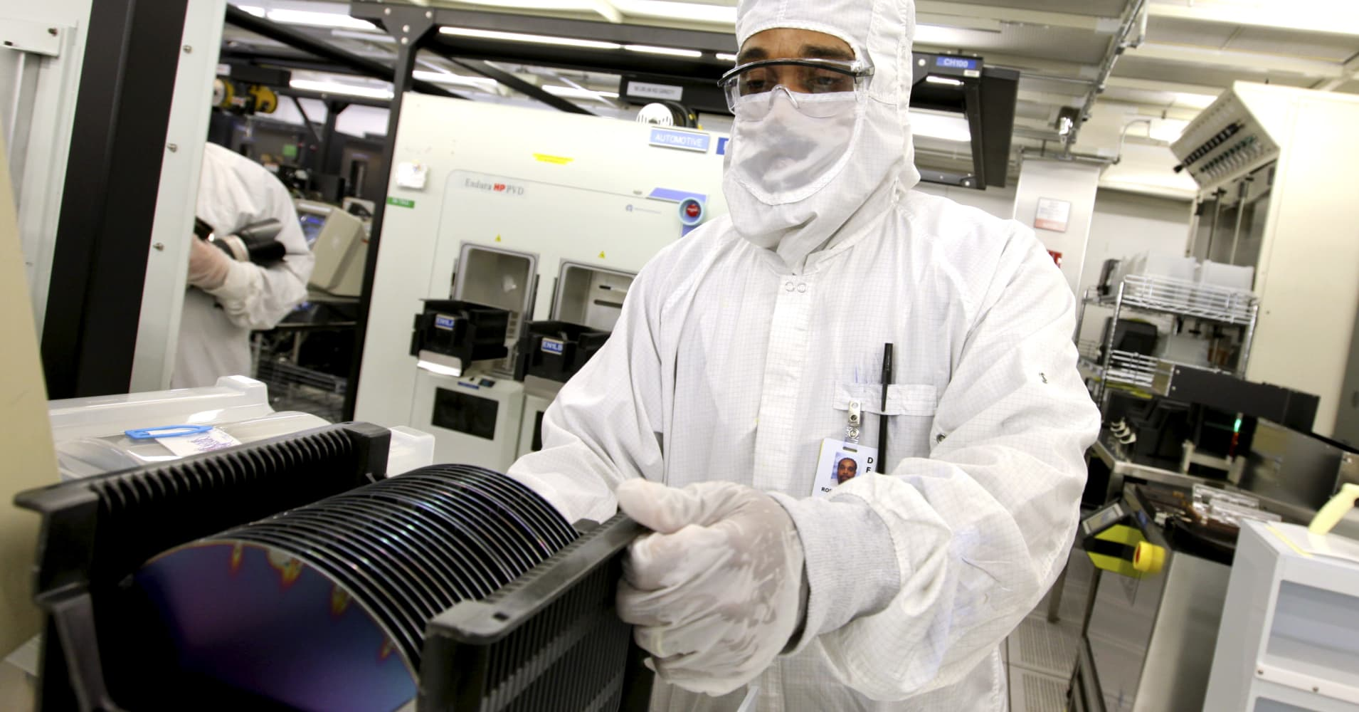 Chipmakers' lousy first-quarter earnings could threaten sector's strong stock market gains