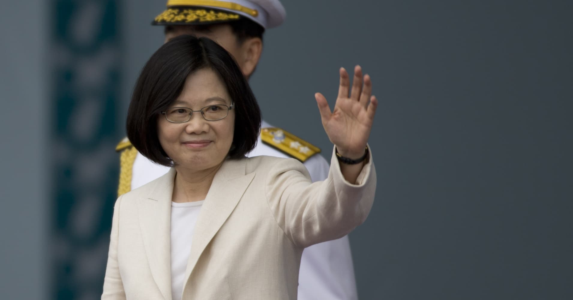 Taiwan tells China to use peaceful means to resolve differences