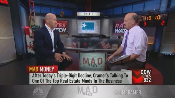 The economy's not as strong as the numbers indicate, says Starwood Capital Group CEO Barry Sternlicht