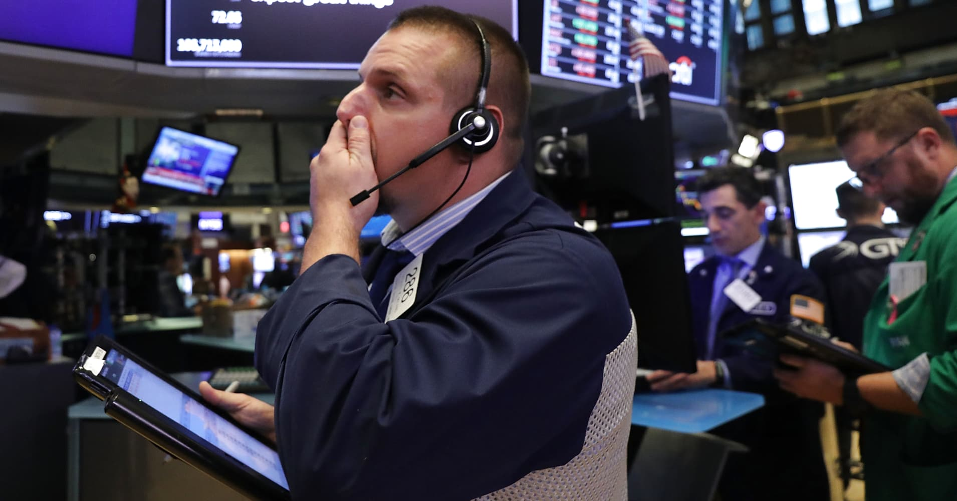 Dow futures point to a 300-point drop as global stock markets continue to slide