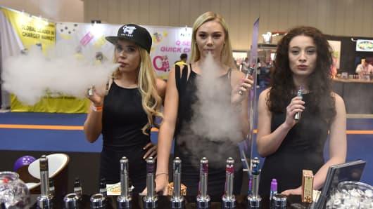 Promotional girls vape